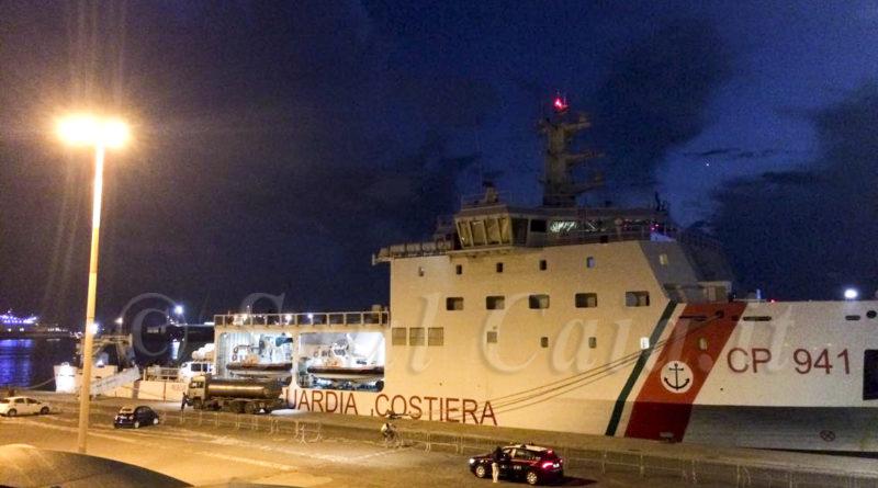 """Catania: """"Siamo scappati a nuoto dalla Diciotti di notte"""""""